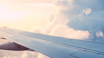 Cloud, airplane, nuage et aile d'avion