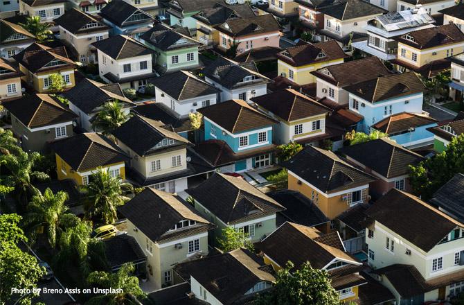 Maisons entassées